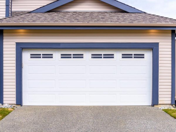 Garage door repair in Ottawa- tips you need to consider when choosing them